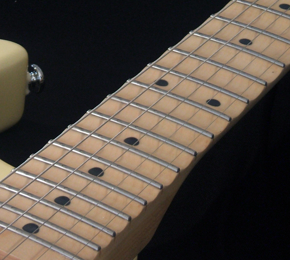 Advantages and disadvantages of scalloped fretboards pic